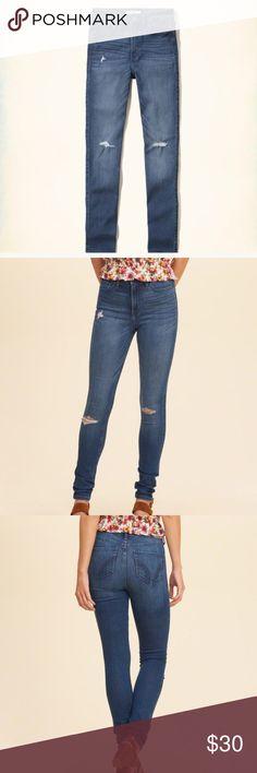 🖤💙 H O L L I S T E R Hi Rise Ripped Skinny Jeans NWT • Hollister • High Rise • Super Skinny • Medium Wash • Ripped / Destroyed  • Jeans • size 3-L (W26 L33) • original tag of $59.95 still attached • ✨💙 M A K E  A N  O F F E R 💙✨ Hollister Jeans Skinny