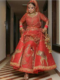 Indian Outfit Inquiries Whatsapp➡️ nivetasfashion Nivetas Design Studio We ship Indian Wedding Gowns, Indian Bridal Outfits, Indian Bridal Fashion, Indian Designer Outfits, Indian Dresses, Bridal Dresses, Bridal Lehenga 2017, Bridal Lehenga Collection, Designer Bridal Lehenga