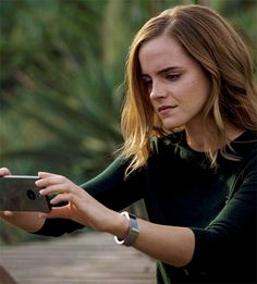 """New photo of Emma Watson in 'The Circle' """