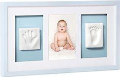 Mit diesem süßen Bilderrahmen für Baby Hand- und Fußabdruck verewigen Sie Ihren Kleinen. Perfekt als Geschenk für junge Eltern. Inkl. Abdruckmasse. Stampin Up, Frame, Kids, Home Decor, Baby Baby, Babys, Parenting Advice, Presents For Guys, Personalized Gifts