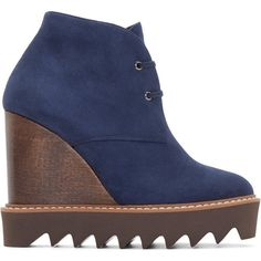 Stella Mccartney Navy Suede Ankle Boots (3,655 CNY) ❤ liked on Polyvore featuring shoes, boots, ankle booties, short boots, platform booties, navy suede boots, suede bootie and navy booties