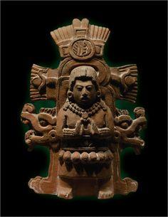 Escultura de barro Maya
