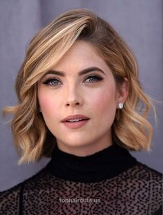 12 Formal Hairstyles with Short Hair: Office Haircut Ideas for Women – PoPular Haircuts Ashley Benson Short Wavy Hair Cut  http://www.tophaircuts.us/2017/06/09/12-formal-hairstyles-with-short-hair-office-haircut-ideas-for-women-popular-haircuts-2/