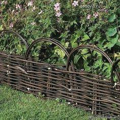 Decorative Garden Edging for Garden's Beauty and Value Garden Edging, Lawn And Garden, Garden Paths, Back Gardens, Outdoor Gardens, Wattle Fence, Willow Fence, Gardening Supplies, Plein Air