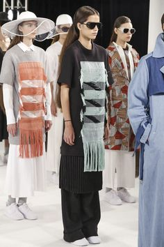 detail on fashion: how can textile techniques can be incorporated into fashion; Koonhor Ready To Wear Spring Summer 2015 New York