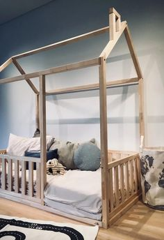 TWIN SIZE montessori BED Twin Size Toddler Bed, Toddler Floor Bed, Toddler House Bed, Toddler Bed Frame, Kids House, House Frame Bed, Diy Bed Frame, House Beds, Baby Room Design