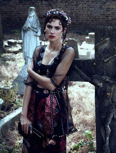 CR FashionBook.com - Betty Blooms