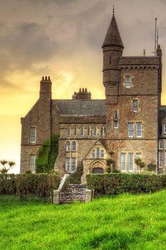 Classiebawn Castle, Mullaghmore, County Sligo, Ireland. Побудуй свій замок з конструктора http://eko-igry.com.ua/products/category/1658731