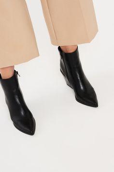 Thea cowboy boots
