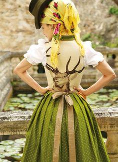 Dirndl Rosenheim by Sportalm. I want a stag on my dirndl! Dirndl Dress, Dress Up, German Costume, Ethnic Dress, Green Fashion, Mode Style, Traditional Dresses, Get Dressed, Vintage Fashion