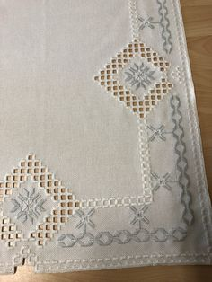 Crochet Bedspread, Hardanger Embroidery, Christen, Filet Crochet, Blackwork, Needlework, Diy And Crafts, Crafty, Sewing