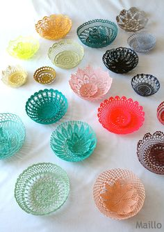 I'm thinking that many doily patterns would work nicely for this. Art Au Crochet, Crochet Bowl, Thread Crochet, Love Crochet, Crochet Gifts, Crochet Motif, Knit Crochet, Beautiful Crochet, Doilies Crafts