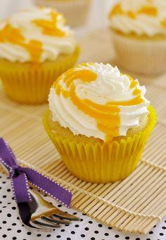 Cupcakes cremosos de manga   Vídeos e Receitas de Sobremesas