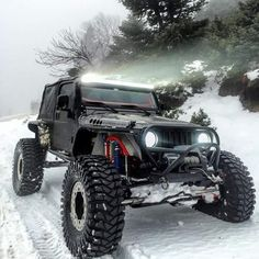 Snow Beast Jeep JK - https://www.pinterest.com/dapoirier/4x4-and-trucks/