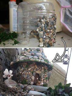 Make a house for a fairy garden with recycled materials.  Casita del bosque para mi Jardín.