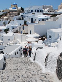 Santorini (photo by Evelyn Vergos)