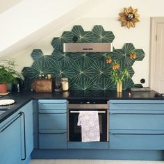 60 Eclectic Kitchen Ideas Remodel For Apartment - Jenny Decor Eclectic Kitchen, Kitchen Interior, New Kitchen, Kitchen Decor, Kitchen Ideas, Sweet Home, Rustic Country Kitchens, Cuisines Design, Kitchen Backsplash