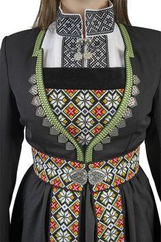 Bilderesultat for svartsøm Folk Costume, Costumes, Norwegian Fashion, Norway Viking, Disney Princess Fashion, Historical Costume, Alternative Fashion, Fashion Outfits, Womens Fashion