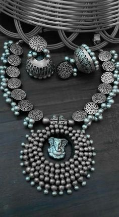 Oxidised Silver jewelry With Saree - - - Silver jewelry Earrings Boho Style - Silver jewelry Indian Wedding - Metal Jewelry, Jewelry Art, Antique Jewelry, Beaded Jewelry, Jewelry Design, Fashion Jewelry, Jewellery Diy, Jewelry Shop, Jewelry Making