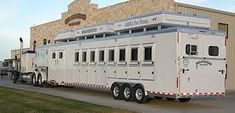 """Learn even more relevant information on """"horse trailer hitch"""". Take a look at our internet site. Horse Stables, Horse Barns, Horse Tack, Livestock Trailers, Horse Trailers, Horse Transport, Fifth Wheel Trailers, Rodeo Life, Dream Barn"""