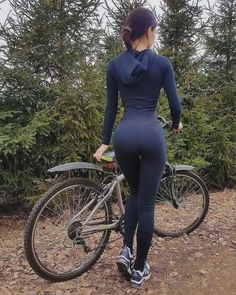 Hot Girls on Bikes: Photo Women's Cycling, Cycling Wear, Cycling Girls, Cycling Outfit, Bicycle Women, Bicycle Girl, Cycle Chic, Sporty Girls, Biker Girl