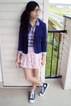 Blazer, converse shoes, forever 21 skirt