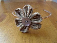 Haarreifen Blümchen Blume beige bronze Blüte Haar von Krimskrämerei auf DaWanda.com
