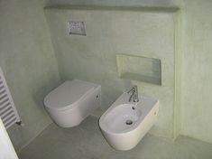 rivestimento bagno a calce con finitura detta stucco romano