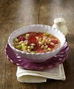 Weiße Bohnensuppe mit Tomaten, Staudensellerie und Chorizo-Wurst