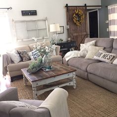 Chic Living Room Design Adorable Cozy and Rustic Chic Living Room for Your Beautiful French Country Rug, French Country Living Room, French Style, Southern Living, Italian Style, Diy Home Decor Rustic, Country Decor, Farmhouse Decor, Decor Diy