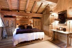 Traditional ski in/out chalet with indoor jacuzzi and lovely surroundings in Courchevel
