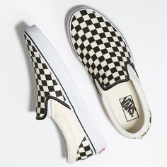 Vans Checkerboard Slip-On ($50) ❤ liked on Polyvore featuring shoes, sneakers, vans shoes, vans footwear, low profile sneakers, slip on trainers and low profile shoes
