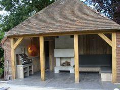 Solidus buitenkeuken beton en steigerhout