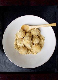 Recipe - Japanese kinako dango - rice dumplings with sweet roasted soy flour. Your kids will love it! (vegan - vegetarian)