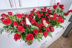 Carmel Flowers offers same day delivery for finest range of Online Flowers. Order & send flowers to make every occasion special. Get Free Shipping in Dubai! Wholesale Flowers Online, Bulk Flowers Online, Wholesale Roses, Buy Wholesale, Best Online Flower Delivery, Flower Delivery Service, Giving Flowers, Send Flowers, Online Florist
