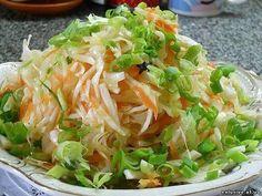 http://ipv2.info Остренькая капуста быстрого приготовления. Капуста получается очень вкусной и моментально сметается с стола! Приготовление: Итак, нашинковать 2 кг свежей капусты, натереть 3-4...