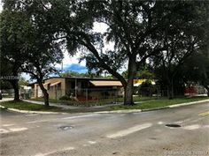 Photo of 1402 W 2nd Ave, Hialeah, FL 33010 (MLS # A10333688)