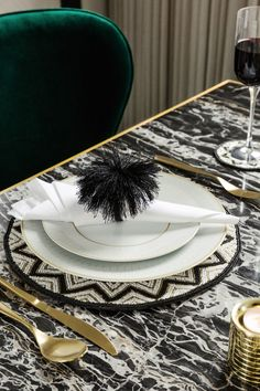 Art Deco glamour has been given a modern twist with the new Golden Age trend from A by Amara. With glints of gold, cool geometrics and a splash of excess, it's made for the dining room.