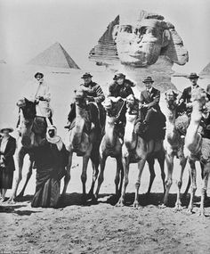 Winston Churchill,Clementine Churchill,T. Lawrence and Gertrude Bell on camels in front of the Sphinx at Giza,Egypt on 15 February 🌹 Clementine Churchill, Giza Egypt, Sphinx Egypt, Gertrude Bell, Country Life Magazine, Werner Herzog, Egyptian Women, Egyptian Pyramid, Lawrence Of Arabia