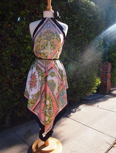 Glitter N Glue DIY Scarf Dress = get 2 big scarfs (like by a yard of ribbon and sew! Scarf Dress, Diy Dress, Wrap Dress, Trendy Dresses, Casual Dresses, Summer Dresses, Diy Clothing, Clothing Patterns, Diy Scarf