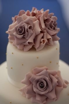 Tiered amnesia rose wedding cake by Bath Baby Cakes, via Flickr