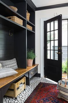 Onyx by Benjamin Moore Black Mudroom Paint Colo Black Shiplap Paint Color Benjamin Moore Onyx Black Interior Paint Color #blackpaintcolor #OnyxbyBenjaminMoore
