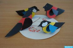 We create winter birds from paper hearts 0 Craft Activities, Preschool Crafts, Diy And Crafts, Crafts For Kids, Mushroom Crafts, Paper Hearts, Paper Toys, Kids Decor, Art Lessons