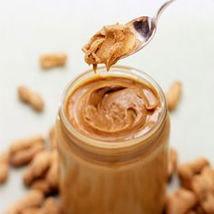 13 Delicious Guilt-Free Desserts: Peanut Butter No-Bake Bars Peanut Butter No Bake, Homemade Peanut Butter, Peanut Butter Recipes, Natural Peanut Butter, Healthy Snacks, Healthy Recipes, Healthy Fats, Eating Healthy, Delicious Recipes