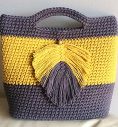 Most Creative Crochet Bag Free Patterns and Ideas 2019 – Page 15 of 32 – belikeanactress. com Most Creative Crochet Bag Free Patterns and Ideas 2019 – Page 15 of 32 – belikeanactress. Crotchet Bags, Crochet Beach Bags, Free Crochet Bag, Love Crochet, Knitted Bags, Knit Crochet, Crochet Handbags, Crochet Purses, Crochet Stitches