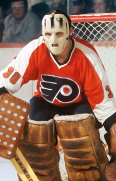 Only God saves more than Bernie Parent Flyers Hockey, Hockey Goalie, Hockey Games, Hockey Players, Philadelphia Flyers, Bernie Parent, Goalie Mask, Vancouver Canucks, Sports Figures