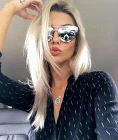 Desejo da noite  ficar MARAVILHOSA como a  BiancaPetry usando esse Dior…  Óculos De c68c75c095
