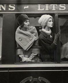 Simone D'Aillencourt et Dorothea McGowan © Louis Faurer Paris, 1960