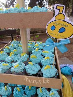 Cupcakes βανίλια - λεμόνι ή σοκολάτα! Μέσα απ' τη θάλασσα ξεπροβάλει το υποβρυχιάκι! Yellow Submarine, Christening, Cupcakes, Desserts, Food, Meal, Cupcake, Deserts, Essen
