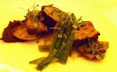 Pork belly, BBQ dulce y guisantes, un plato supremo de exquisito sabor en Blackbird, del chef Chef David Posey.